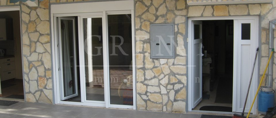House, 300 m2, For Sale, Poreč