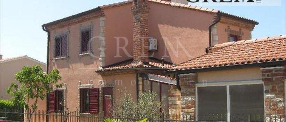 Hiša, 155 m2, Prodaja, Poreč