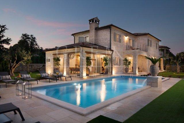 Hiša, 359 m2, Prodaja, Poreč