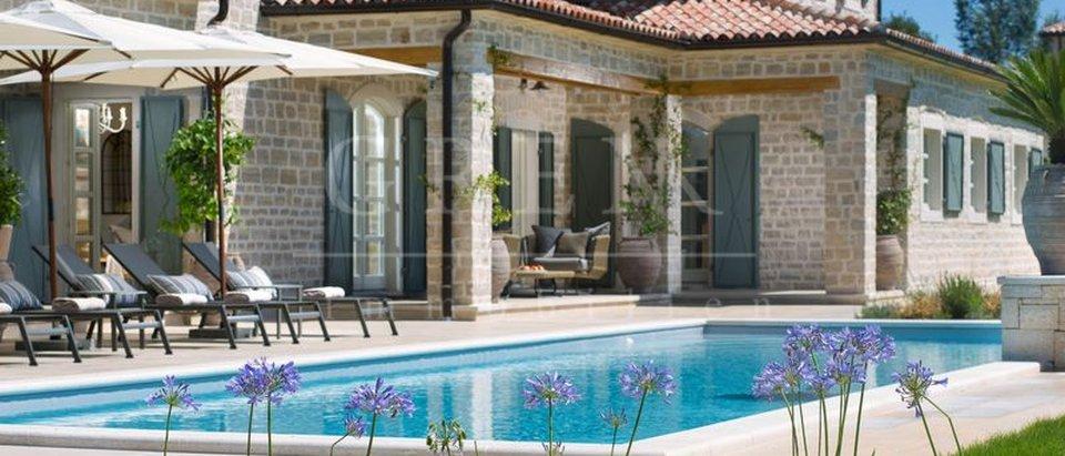 Villa di lusso con piscina