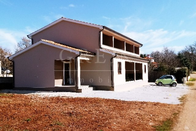 House 4km from the sea with sea view