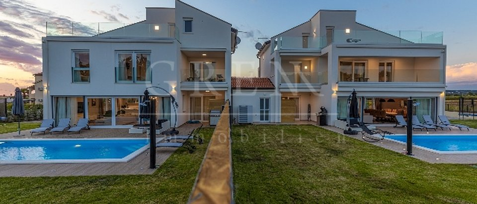 House, 315 m2, For Sale, Poreč