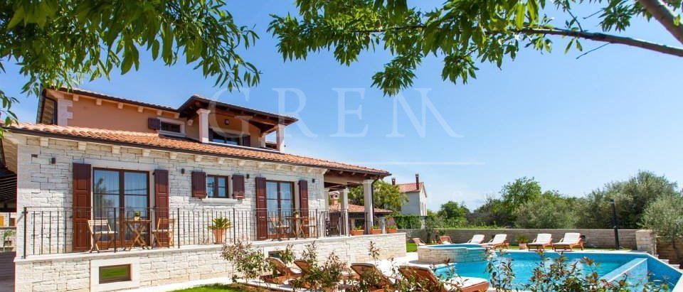 House, 330 m2, For Sale, Poreč
