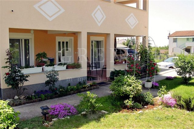 Ground floor apartment with 3 bedrooms Porec 5 km
