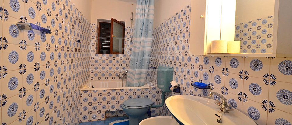 Apartment 3km from Umag end thea sea with sea view