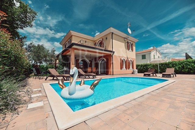 Hiša, 150 m2, Prodaja, Vabriga