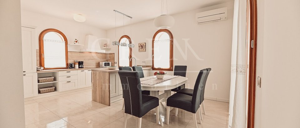 Villa 500 m from the sea with sea view