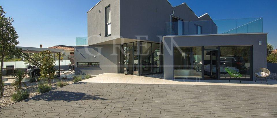 Moderna luksuzna vila nedaleko Poreča